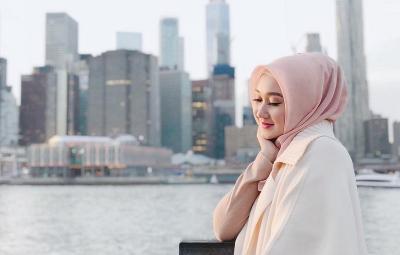 4 Fakta Pernikahan Dian Pelangi dan Sandy Nasution