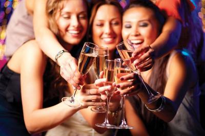 Bar Unik di Dubai Ini Beri Minuman Gratis Sesuai dengan Berat Badan
