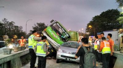 Pengemudi Mobil Penyebab Tertinggi Kecelakaan di Jalan Tol