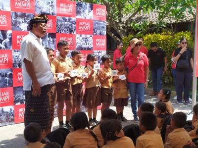 CIMB Niaga Goes to School Kunjungi SDN 3 Ketewel