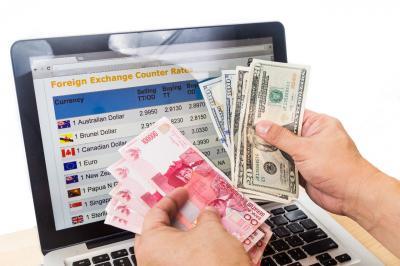 Dolar Tekan Rupiah ke Level Rp14.097