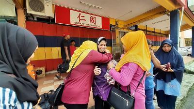 Ibu Bersama 5 Anaknya Terlantar di Hutan Malaysia Setelah Suaminya Meninggal Dunia