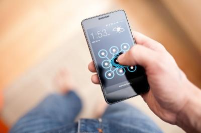 Studi Baru Menunjukan Cara Buka Kunci Ponsel Ungkap Usia Seseorang