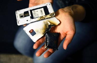 Ini Penyebab Ponsel Meledak dan Cara Mencegahnya