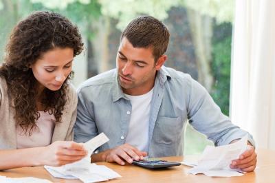 Terbebas dari Masalah Keuangan, Ini Cara Jitu Mengontrol Pasangan yang Boros!
