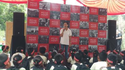 Kejar Mimpi Goes to School CIMB Niaga, Disambut Siswa SD Budi Wanita Setiabudi Antusias