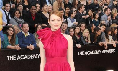 Cincin Tunangan Emma Stone yang Menawan Diprediksi Jadi Tren di 2020