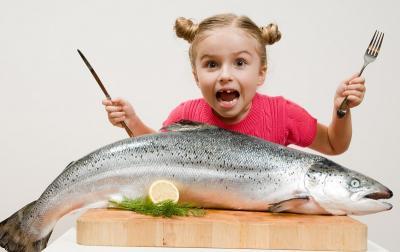 Makan Ikan Seminggu Sekali Bikin si Kecil Lebih Sehat dan Pintar