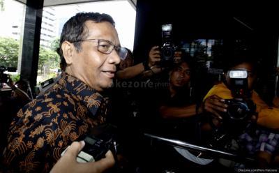 Temui Jokowi, Mahfud MD Laporkan Rencana Hidupkan RUU KKR