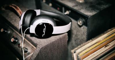 Peneliti Ciptakan Headphone Bantu Pengguna Hindari Kecelakaan