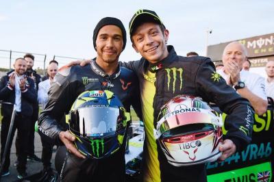 Mengaspal Bareng, Rossi dan Hamilton Saling Puji