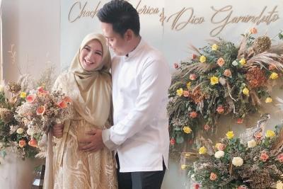 Hamil Anak Pertama, Chacha Frederica: Hadiah Ulang Tahun ke-4 Pernikahan