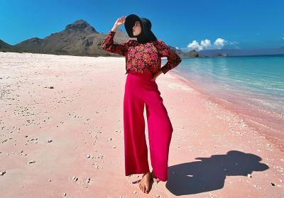 Inspirasi Hijab Floral ala Selebgram Rizky Amelia Bikin Tampilanmu Manis dan Ceria