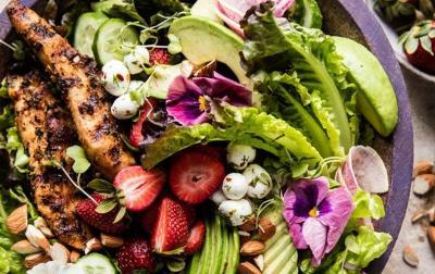Salad Sehat untuk Ibu Hamil, Cocok Dimakan Pagi atau Malam