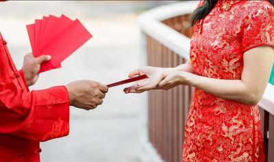 Tradisi Imlek di Indonesia, Sudah Menikah Wajib Kasih Angpau?