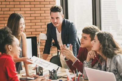 Gak Selalu Negatif, Ini Keunggulan Punya Anak Milenial di Tempat Kerja