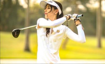 Hobi Main Golf, Intip 5 Penampilannya Bergaya Sporty