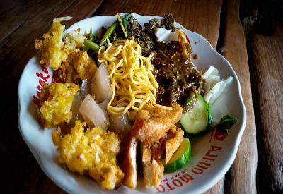 Nikmatnya Rujak Gamel, Kuliner Khas Cirebon yang Menggugah Selera