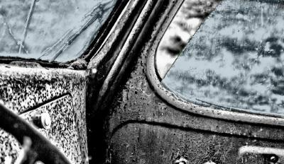Membersihkan Jamur di Kaca Mobil dengan Barang Rumahan