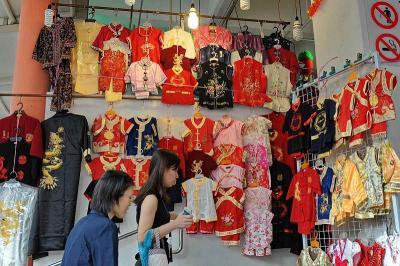 Alasan Masyarakat Tionghoa Dianjurkan Pakai Baju Baru saat Imlek