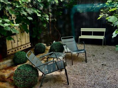 Tips Percantik Lahan Sempit di Rumah Jadi Taman, Jangan Asal Taruh Furnitur!