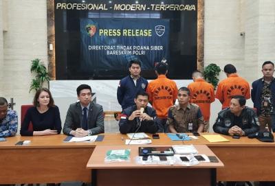 Polri Bekuk 3 Pelaku Sindikat Internasional Pembobolan E-Commerce