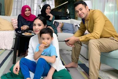 Waspada Virus Corona, Ibunda Raffi Ahmad Pilih Diam di Rumah