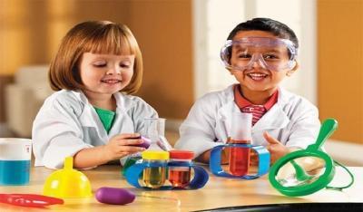 Mom, Yuk Kenalkan Science Sejak Dini ke Anak dengan Bermain Bersama