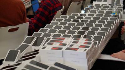 Virus Korona, Jepang Berikan iPhone untuk 2.000 Penumpang Diamond Princess