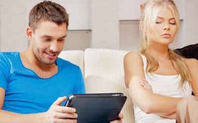 Biar Enggak Cemburu, 3 Cara Ini Bikin Hubunganmu Makin Langgeng