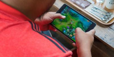 4 Alasan Memilih Tablet Ketimbang Smartphone untuk Gaming
