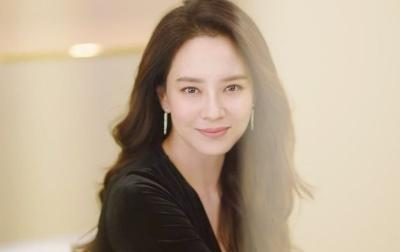Hampir Kepala 4, Ini Rahasia Awet Muda Son Ye-Jin hingga Song Ji-Hyo