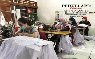 Anne Avantie Banting Setir Bantu Produksi APD Corona untuk Tenaga Medis