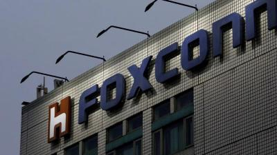 Virus Corona Bikin Anjlok Laba Foxconn 23,7%