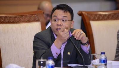 DPR: Pembatasan Sosial Berskala Besar Jalan Tengah Pemerintah Atasi Pandemi Corona