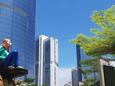Foto Langit Biru Jakarta di Tengah Pandemi COVID-19