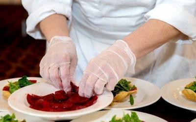 Apa Saja Makanan untuk Tenaga Medis Corona? Chef Hotel Ungkap Menunya