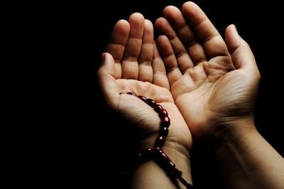 Doa Jadi Mustajab karena Mendoakan Orang Lain, Ini Penjelasannya
