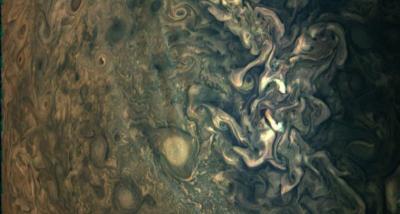NASA Juno Tangkap Foto Awan Bergelombang di Jupiter