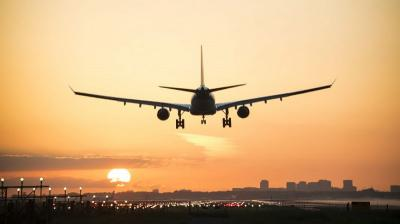 Penumpang Pesawat Menuju Bali Turun 13,57%