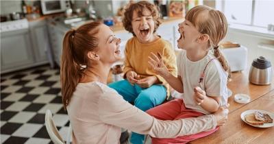 5 Cara Menyenangkan Ajarkan Anak untuk Physical Distancing Cegah Corona COVID-19