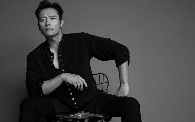Romantis, Lee Byung Hun Boyong Anak Datangi Lokasi Syuting Istri