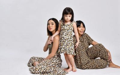 Gemasnya Gisel dan Gempi Kompakan Pakai Baju Animal Print