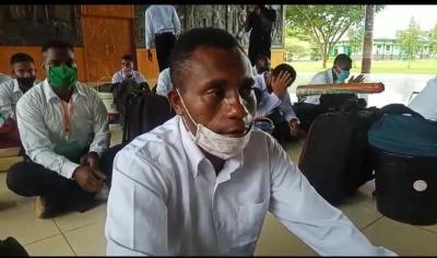 Mimpi Rony Kabarjay, Anak Yatim Piatu Suku Yeinan Lulus Tes Prajurit TNI AD Terwujud
