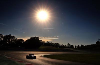 Renault Bantah Bakal Tinggalkan F1 2020