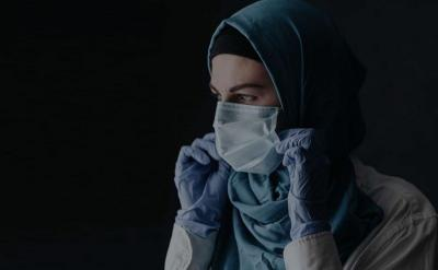 Desainer Ini Sediakan Hijab Khusus untuk Tenaga Medis Covid-19
