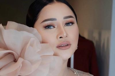 Mutia Ayu Ikutan FaceApp, Netizen Sebut Saudara Jauh Kardashian