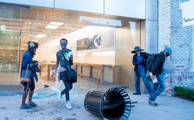 Sedih, Toko-Toko Apple Jadi Sasaran Penjarah di Amerika
