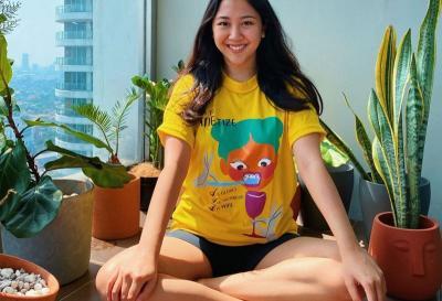 Cantiknya 3 Selebriti Pakai T-Shirt Keren Ini, Mau Kembaran?