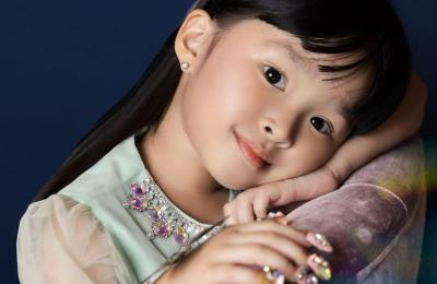 Imutnya 5 Pose Thalia Putri Onsu, Niru Sarwendah saat Difoto